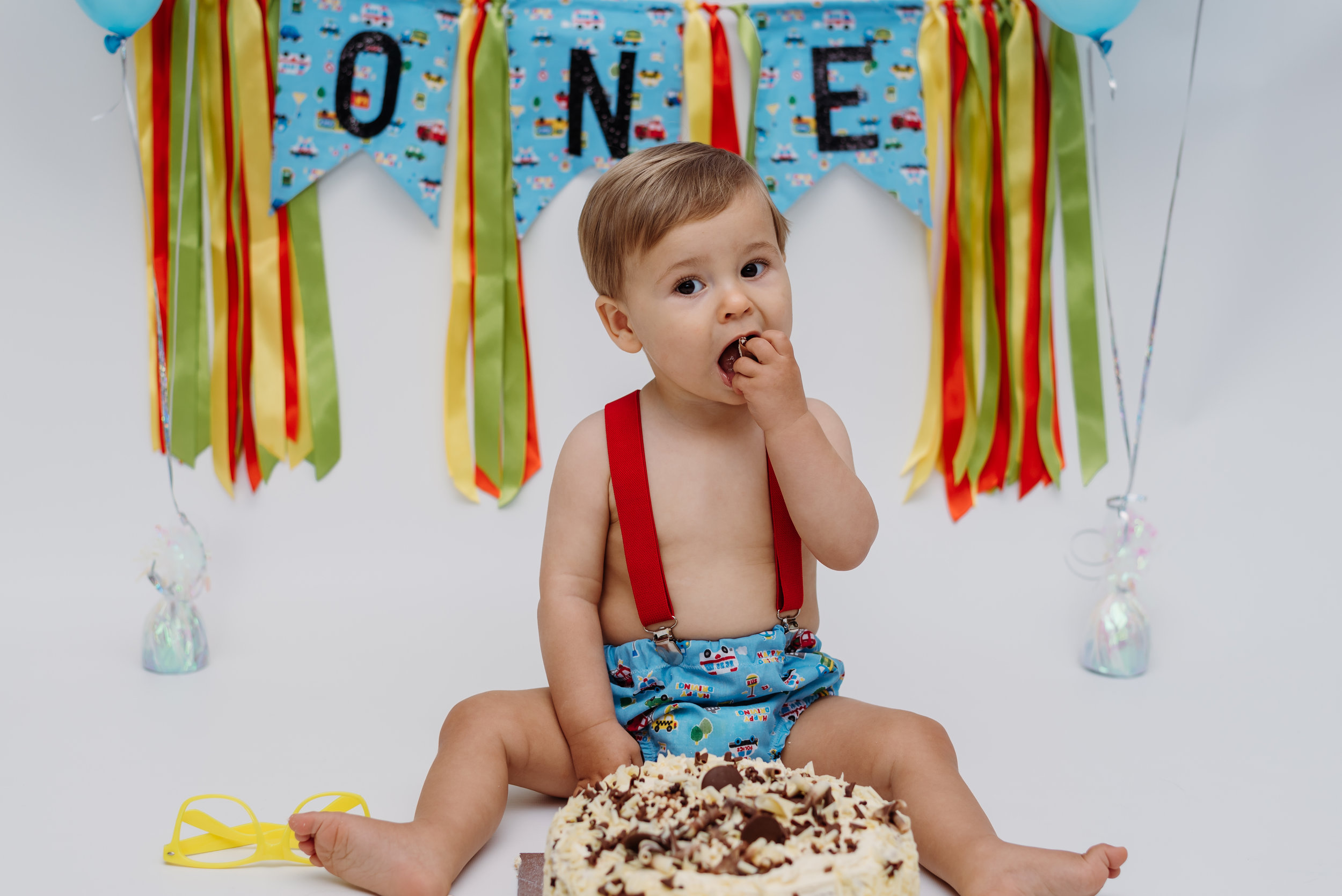 Ribble Valley cake smash and splash session