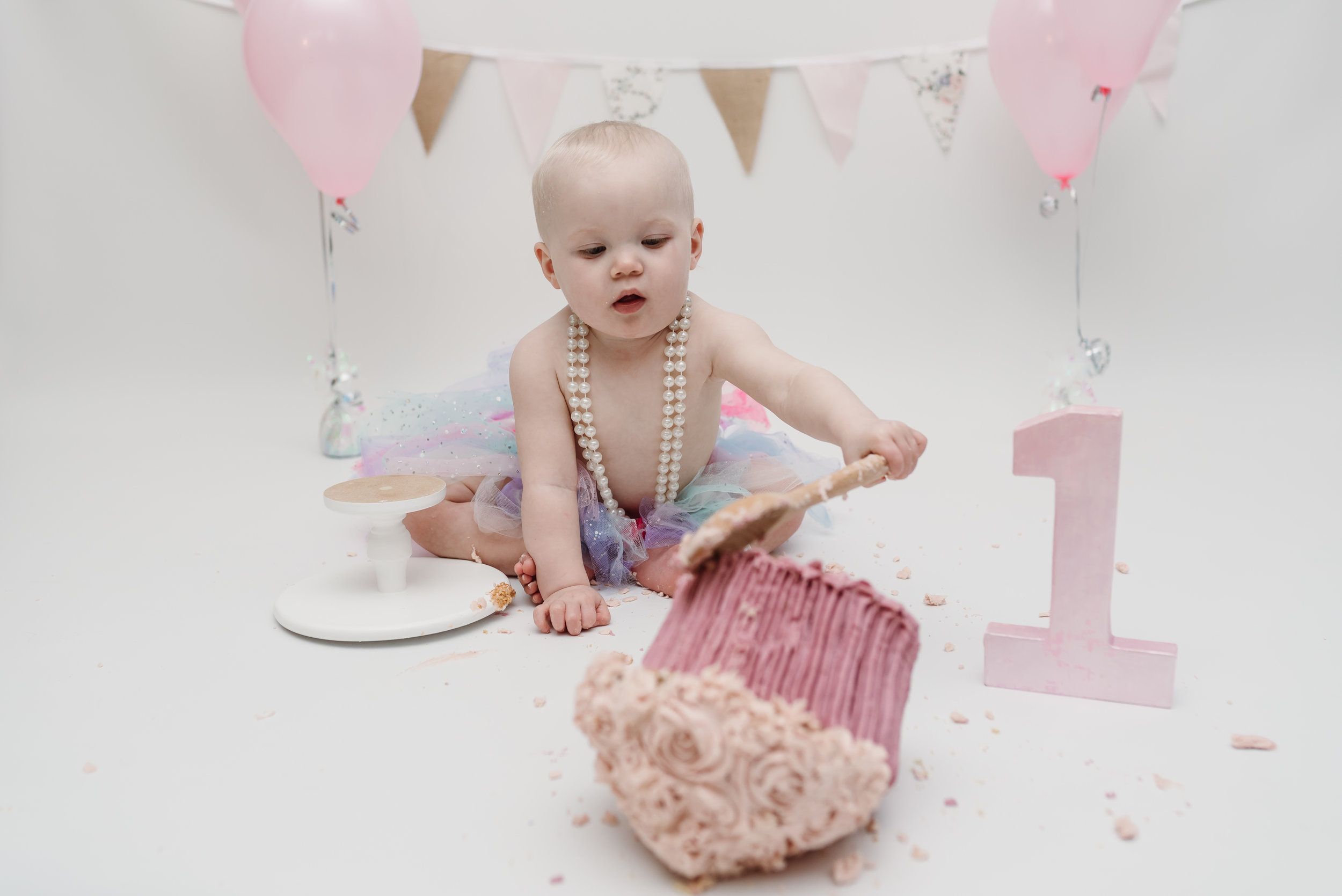 cake smash and splash session - ribble valley
