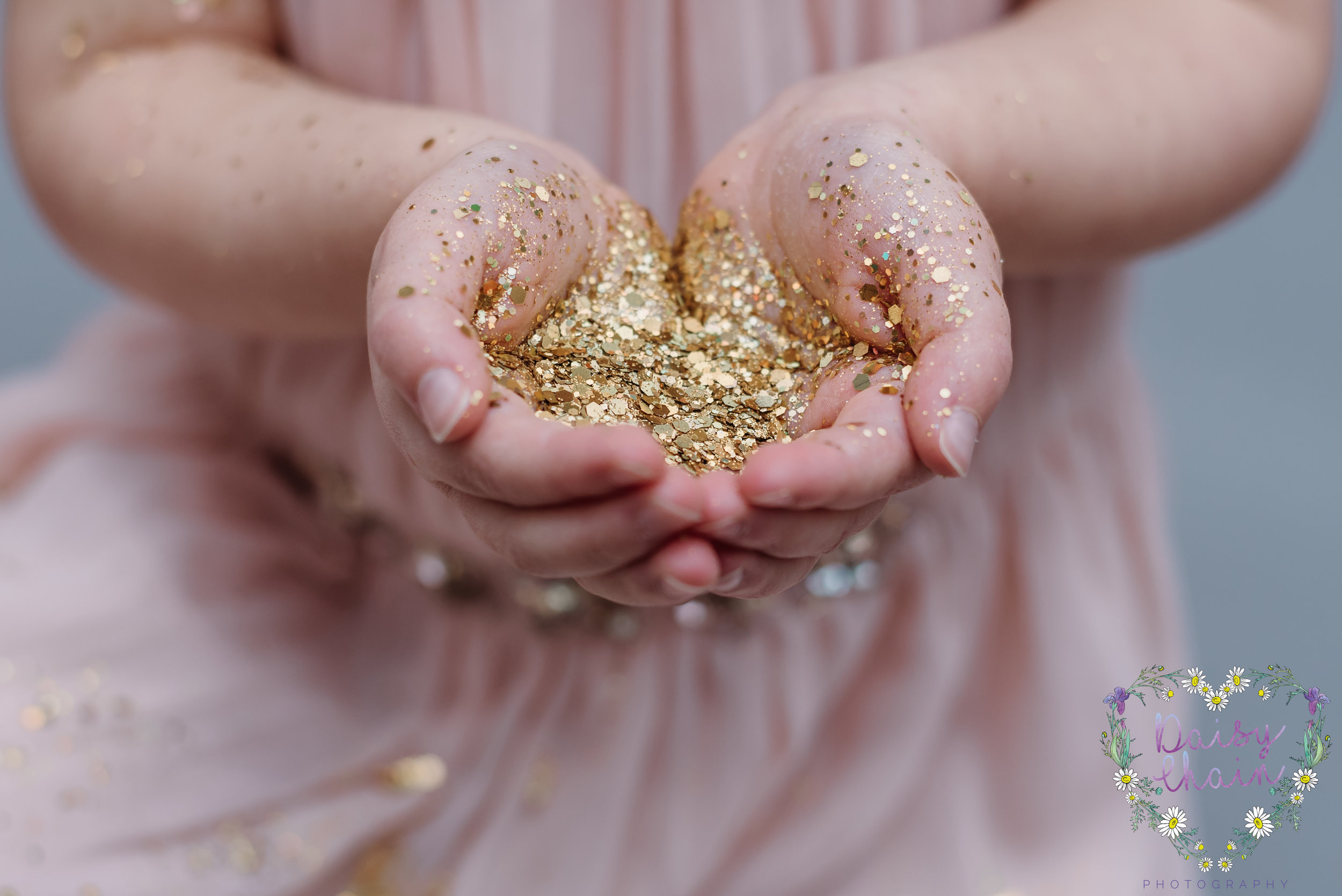 Clitheroe children's photographer - glitter session