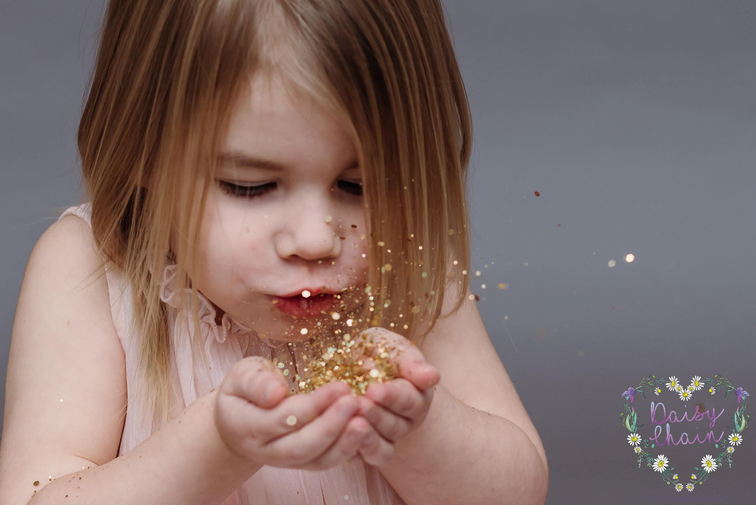 Lancashire children's photographer - glitter