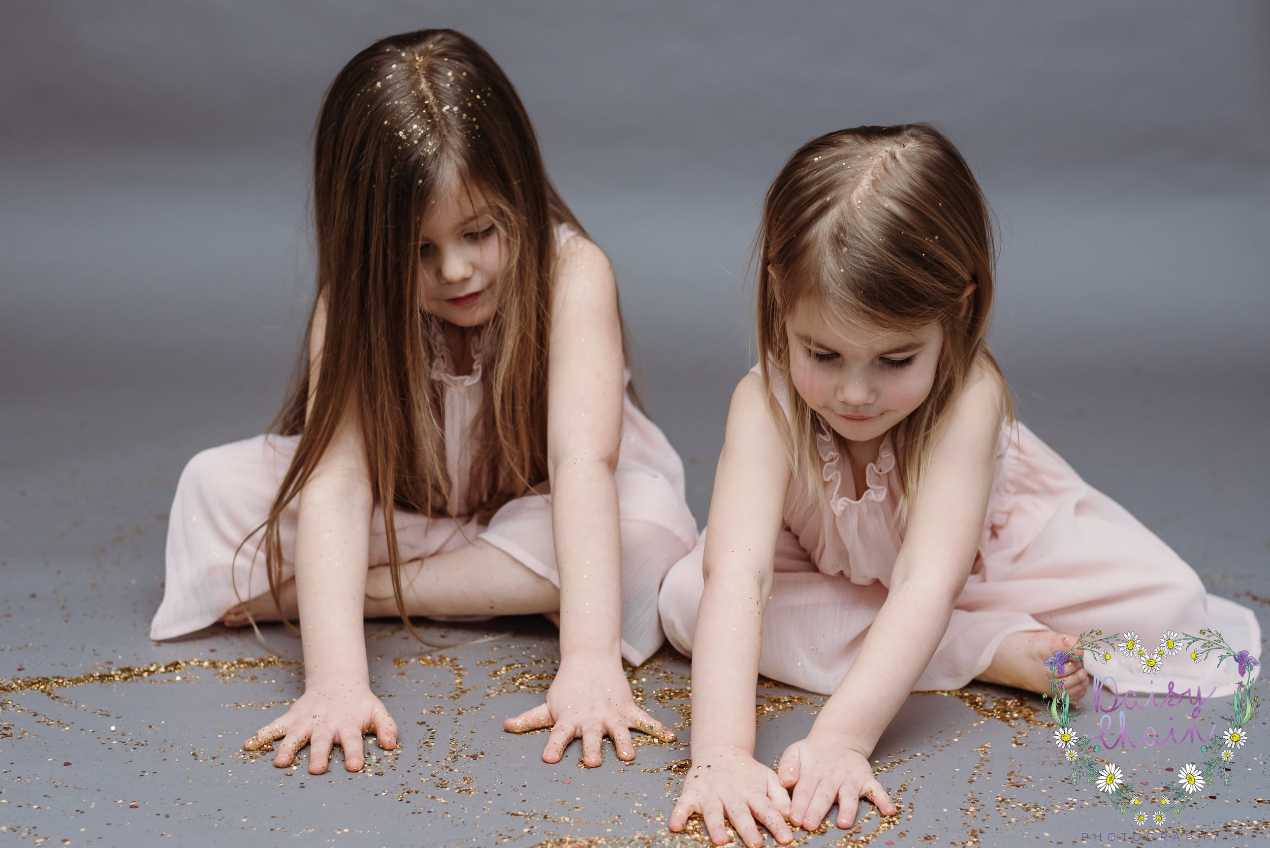 Gold glitter - children's photographer