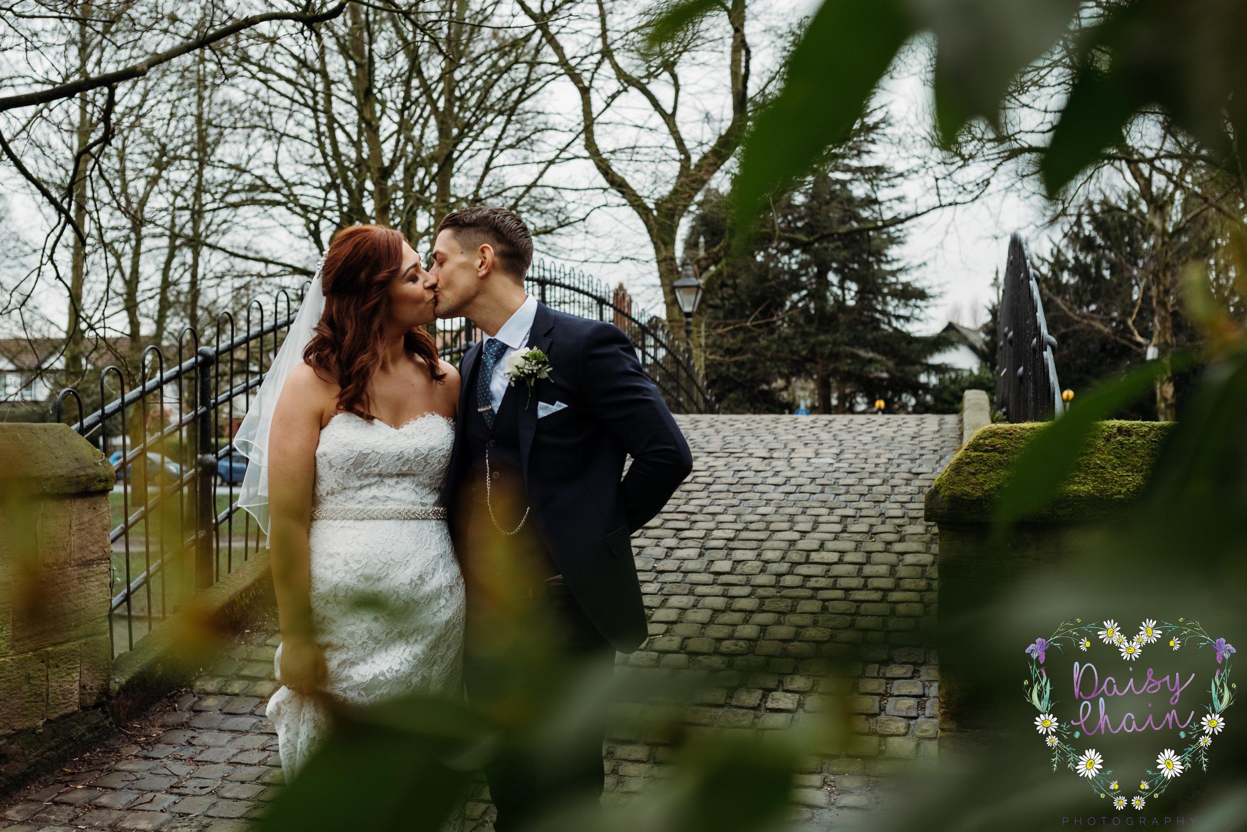 Worsley canal - wedding photographer