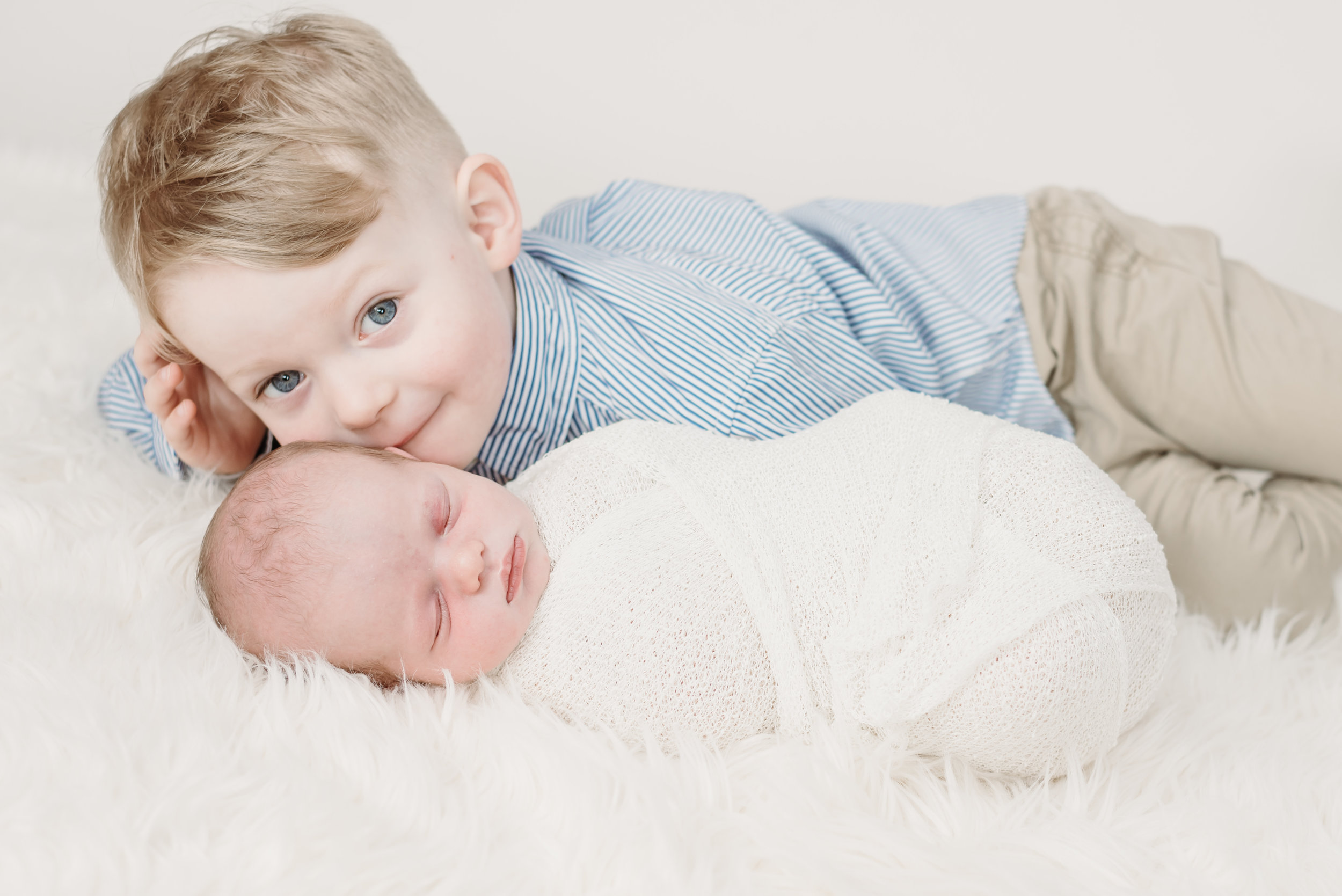 Cute brothers - family photography