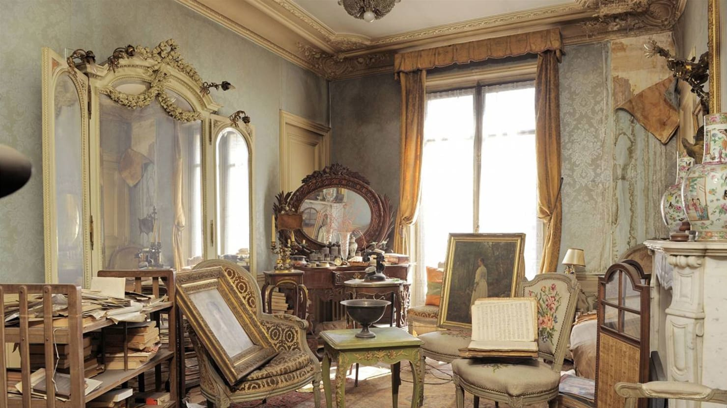 140203-paris-apartment-strochlic-tease_ho752a.jpg