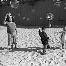 11.3_VeniceArts_KateSquires_Bubbles_copy.jpg