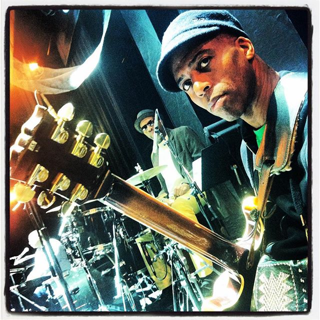 Keith Robinson during rehearsal for Vanessa Williams with JT Lewis on drums, Atlantic City, NJ #keithrobinsonguitar #keithrobinsonmusic #vanessawilliams #jtlewis #guitarist