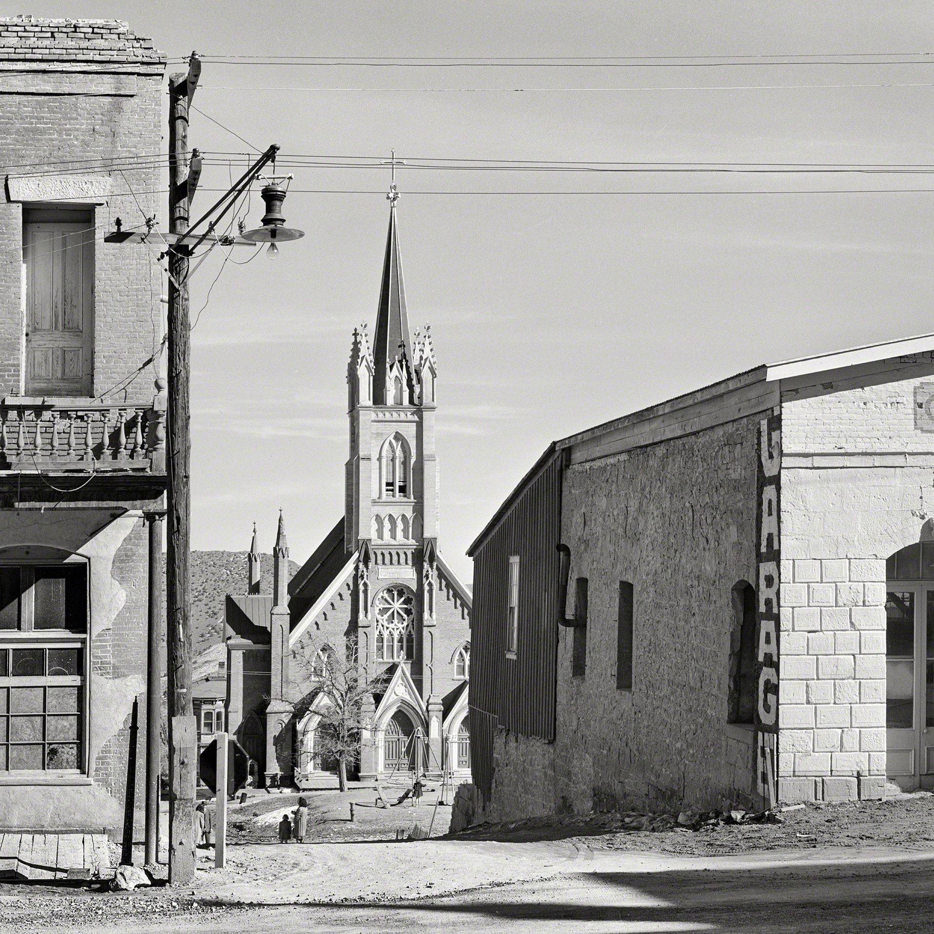 Burgdorff's depiction of St. Mary's appears to have changed relatively little in this March 1940 photograph from the U.S. Farm Security Administration Photograph Collection (Library of Congress) - Arthur Rothstein (1915-1985) photographer.