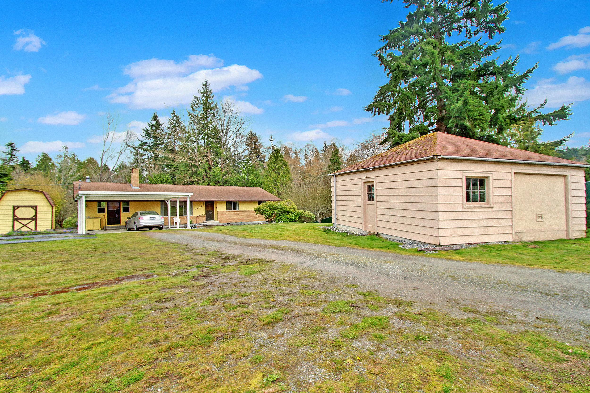 Classic Rambler +Building Lot - 4805-4807 Bayview Ln, Everett WA 98203