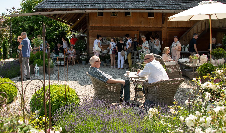 360_850_6135_Gartenfenster-Sommerfest-3.jpg