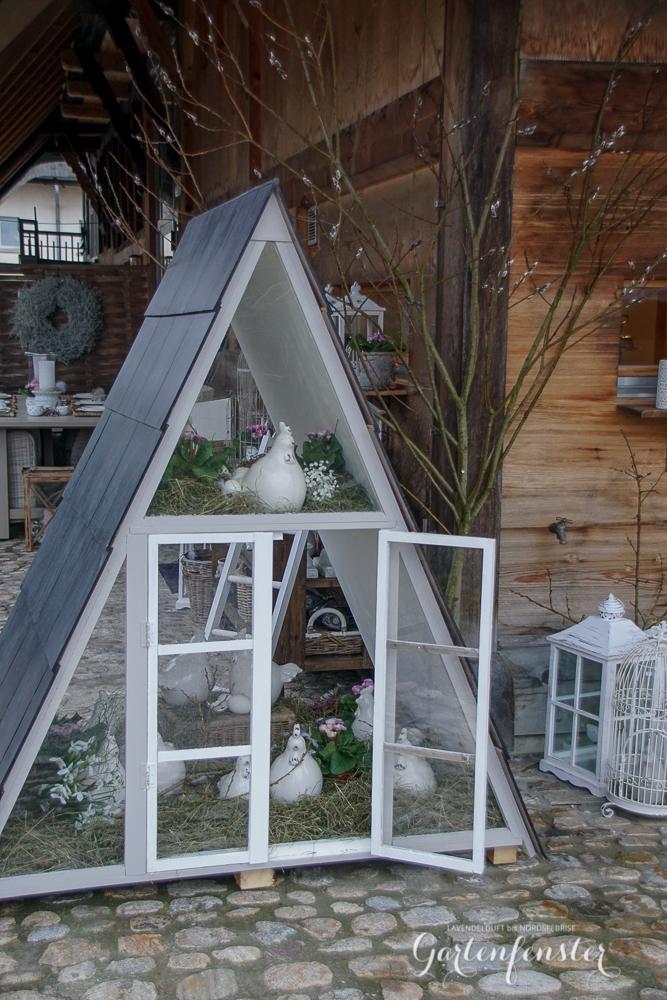 Gartenfenster Dreieckshaus.jpg