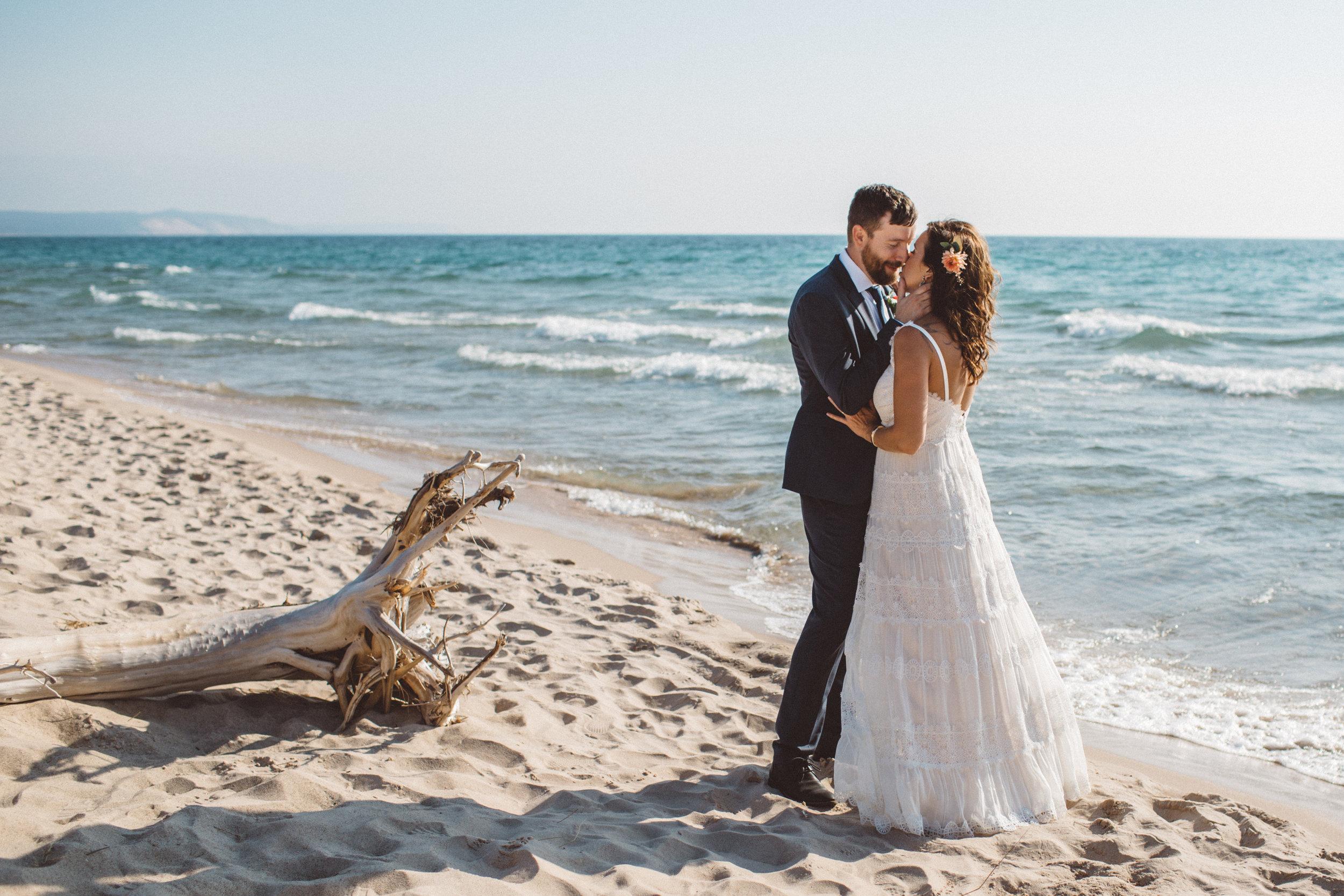 wedding-battle-creek-michigan-photographer-beach-destination-kalamazoo