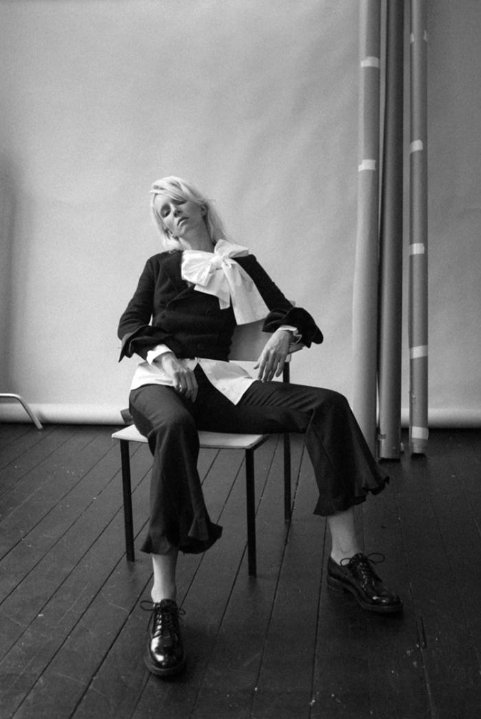 Suit jacket: Emporio Armani / Pants: Stella McCartney/ Shirt: Palmer Harding / Shoes: DKNY
