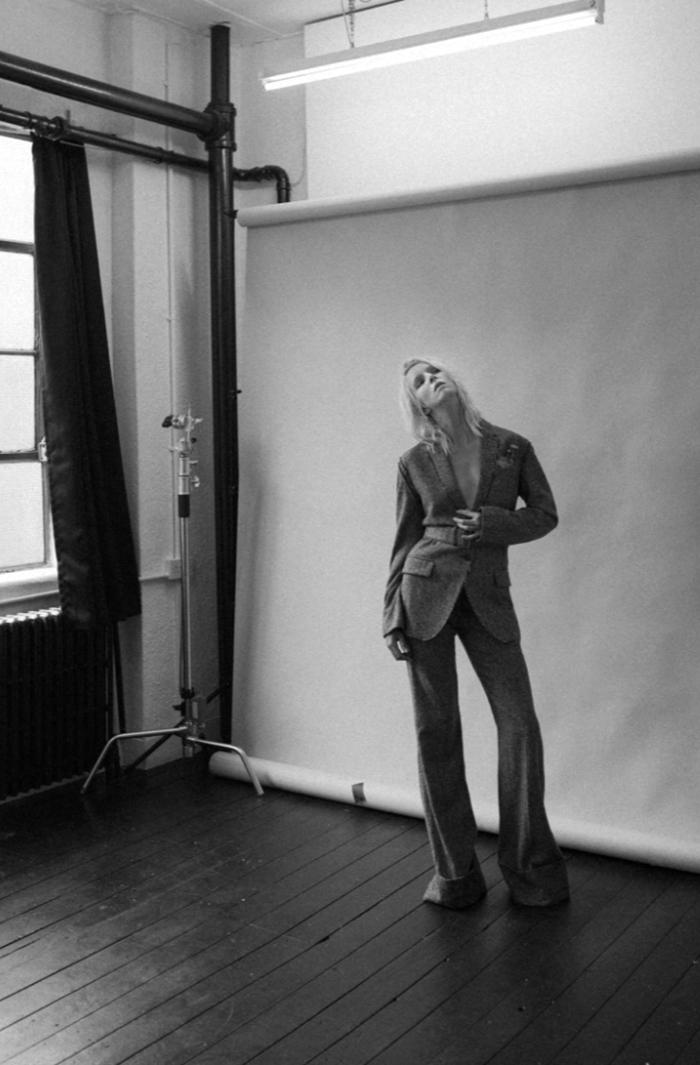 Suit: Stella McCartney/ Shoes: Fendi