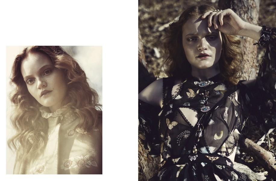 Left | Cape: Vilshenko / Ruffle dress (just seen): Raquel Allegra Right | Dress: Alexander McQueen / Rings: Cornelia Webb