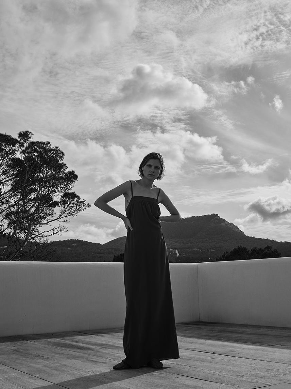 - Dress: VinceShoes: Sanayi 313Hair: Takuya Uchiyama using Bumble & bumble / Make Up: Lyz Marsden @ Caren using MAC Model: Maria Loks @ Next / Stylist's assistant: Grace Smitham