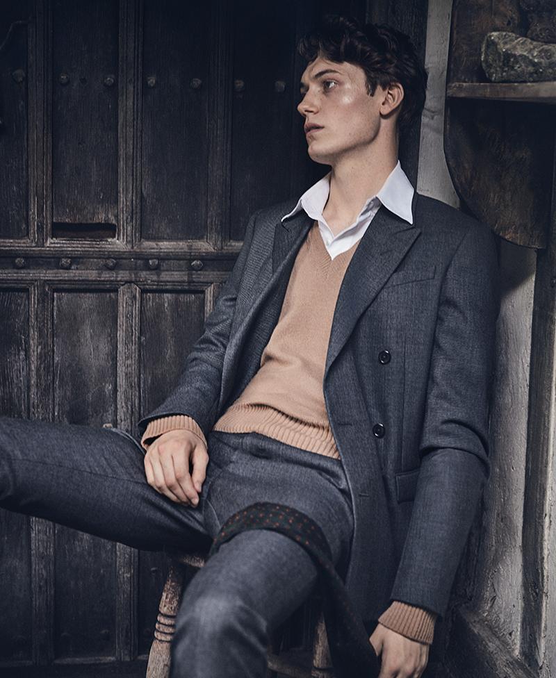 Jacket & trousers: J il Sander  /Jumper:  Ami  /Shirt:  Berluti  /Scarf: stylist's own