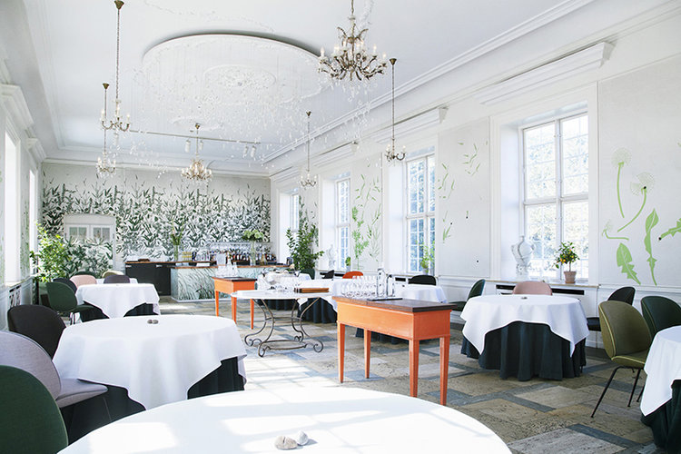 Mielcke and Hurtigkarl, Copenhagen     Nestled in the beautiful Royal Danish Horticultural Society Garden – Copenhagen's very own Garden of Eden – lies a listed Nineteenth Century building, and inside, the gourmet restaurant   Mielcke and Hurtigkarl.