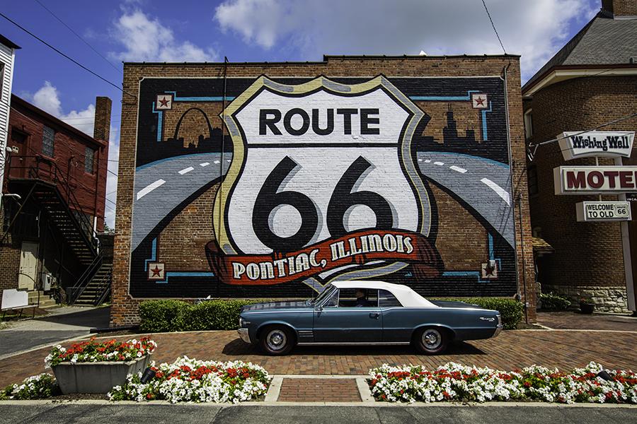 Route 66 Pontiac.jpg