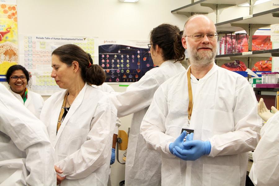 20170923-Ellen-Jorgensen-hands-on-CRISPR-2295.jpg