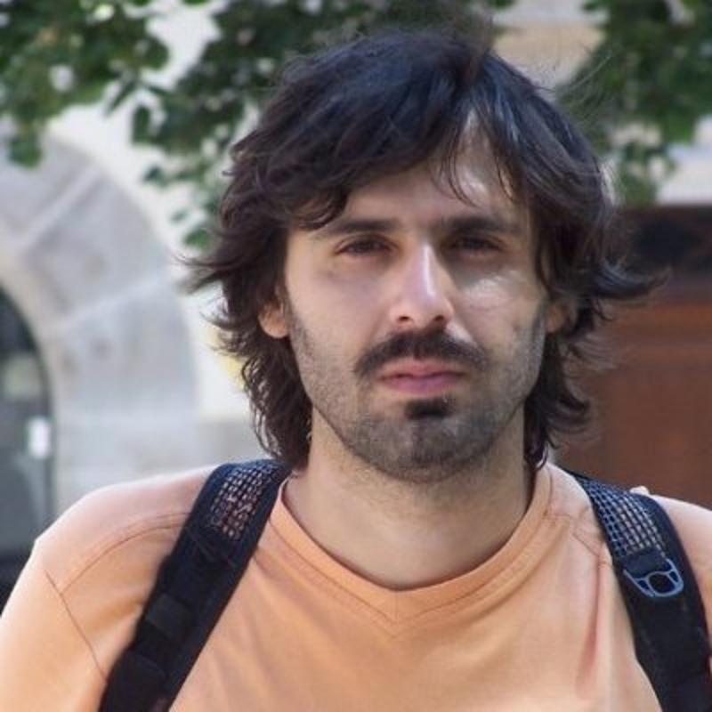 profile picture linkedin twitter facebook DIZK-NNn_800x800 - Vittorio Milone.jpg