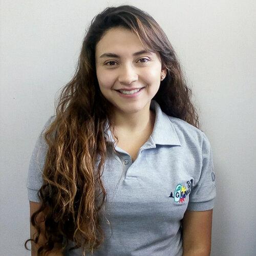 Camila Velandia    Lab Assistant/ IDgen    Quito, Ecuador