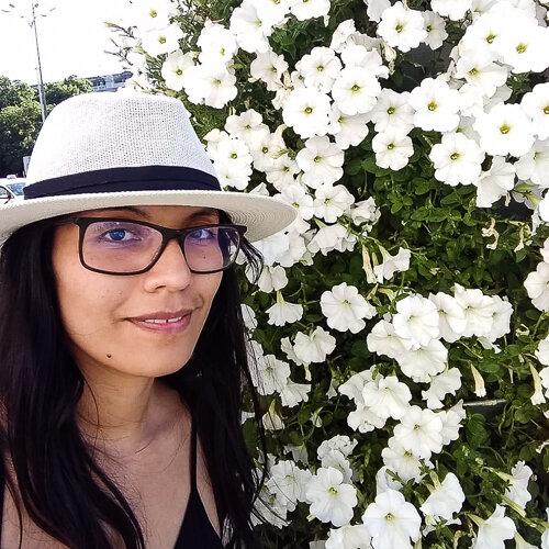 Dulce E. Alarcón-Yaquetto    Researcher, Universidad Peruana    Cayetano Heredia,Lima, Peru