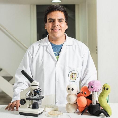 Brian Misari Anchiraico    Microbiologist, social entrepreneur &    Director of MYPS, Lima, Perú