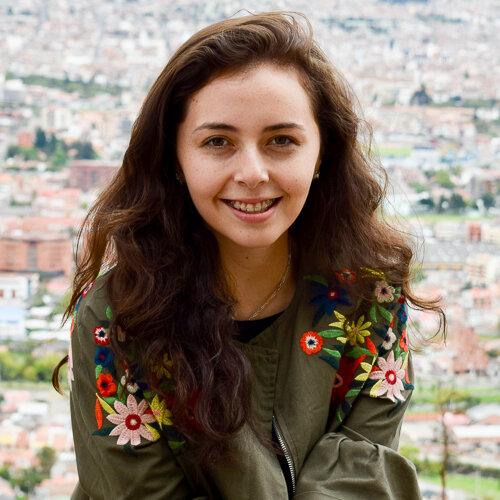 Lisa Correa-Baus    Research assistant and laboratory    technician, USFQ (Quito, Ecuador)