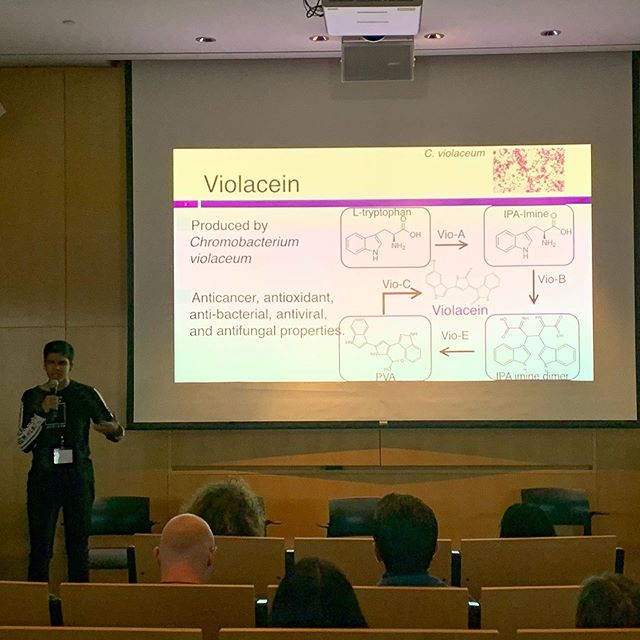 High school student researcher Harry Parmer presented his work on reducing the cost for bio-production of cancer medicine. 🧪🧬🔬#communitybio #globalbiosummit
