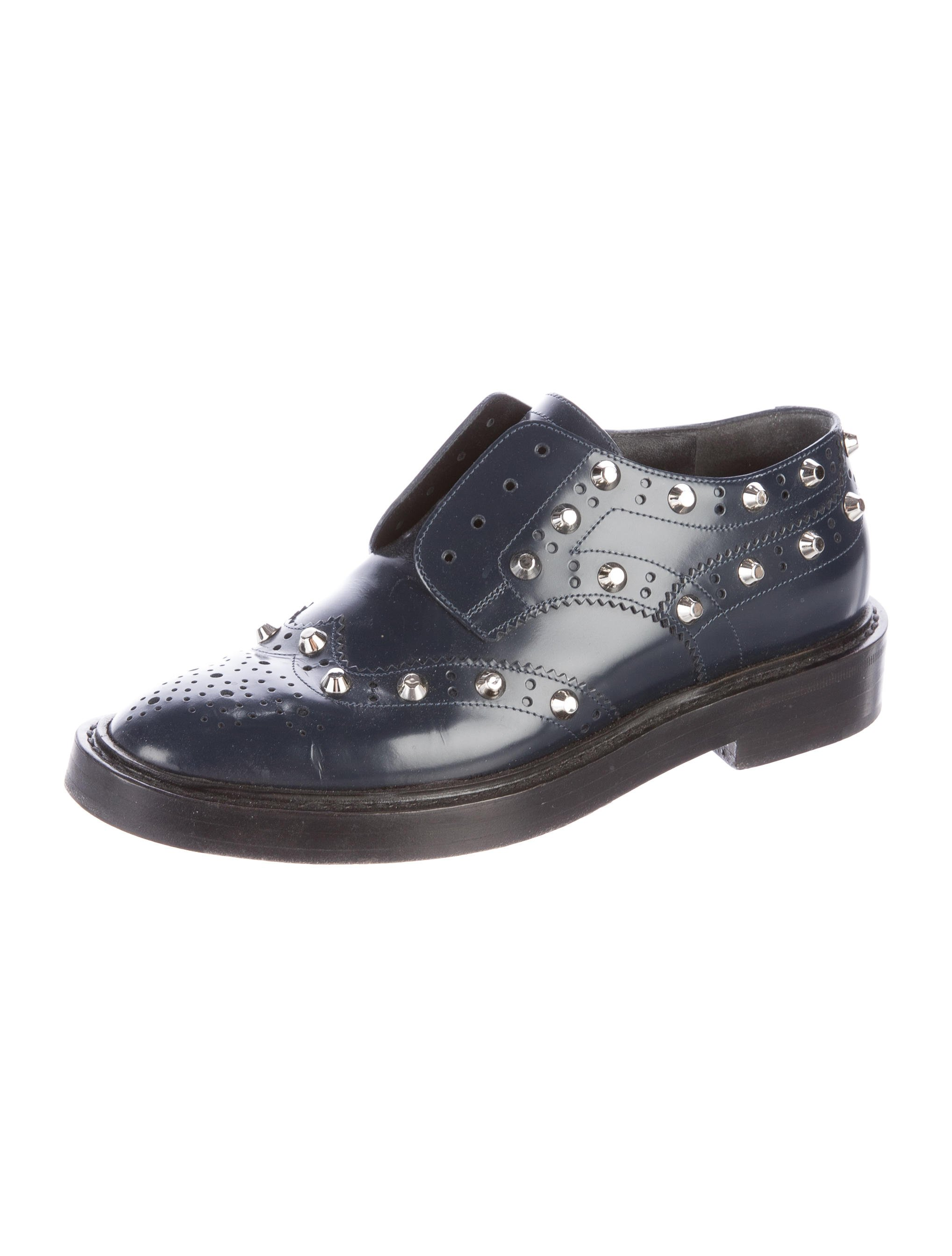BALENCIAGA - LEATHER STUD-ACCENTED OXFORDS($425.00)