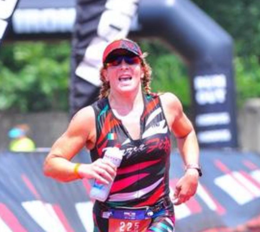 … - I even peed once on the run. That did not happen since my IM 70.3 in Panama Country in 2014. I made it through 12 miles before my gluteus and lower back became tight as usual. However, I was still happy because in last few years this was already happening at mile 6. I trotted my way back towards Selby Stadium and managed a 2:06:38 run split. I use to be under 2 hours a couple of years ago and it is going to happen again very soon! My total nutrition on the run consisted of: 480 cal, sodium 1260 mg, carbs 117 g, potassium 350 g. With a time of 5:45:49, I crossed the finish line.