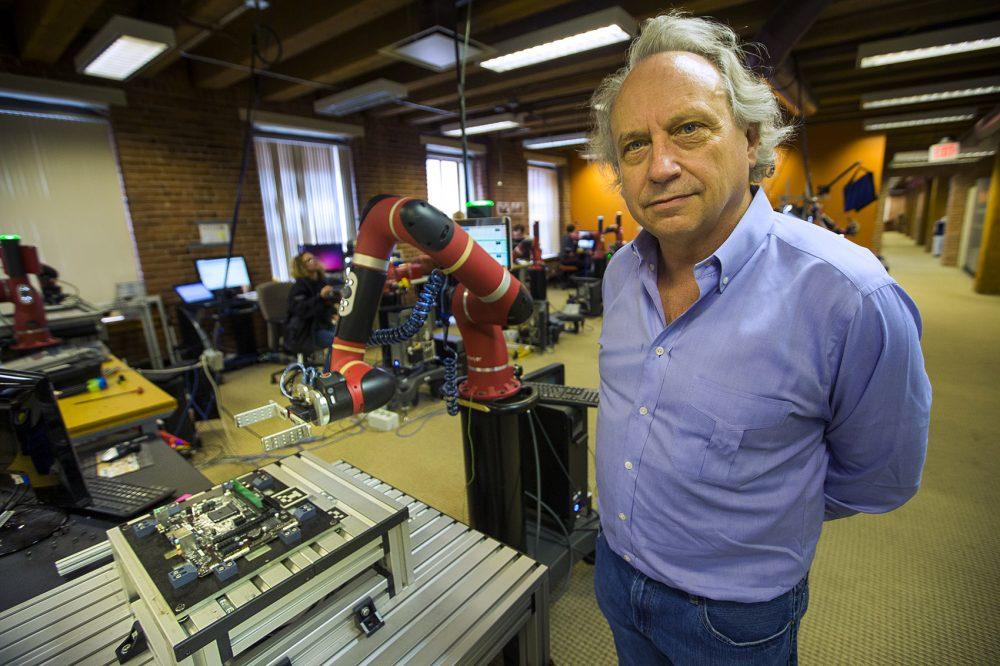 1031_robotics-workplace03-1000x666.jpg