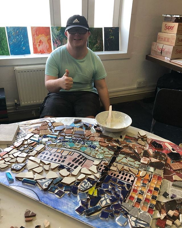 On to the next step for our mosaics starting to stick the tiles down!! Hard at work yesterday👍🏻 #mosaic#liverpool#liverpoolart#albertdock#liverpoolartist#creative#liverbuilding#mosaicart#artwork