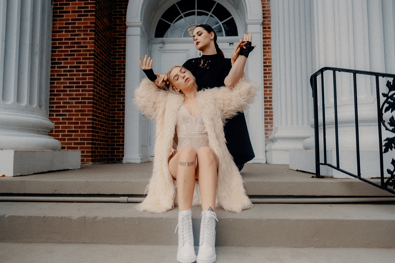 Lauren-And-Emma_0006.jpg