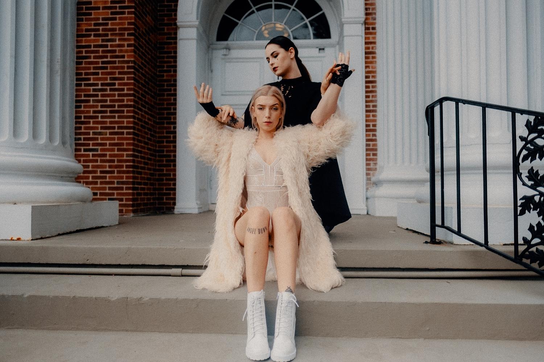 Lauren-And-Emma_0007.jpg