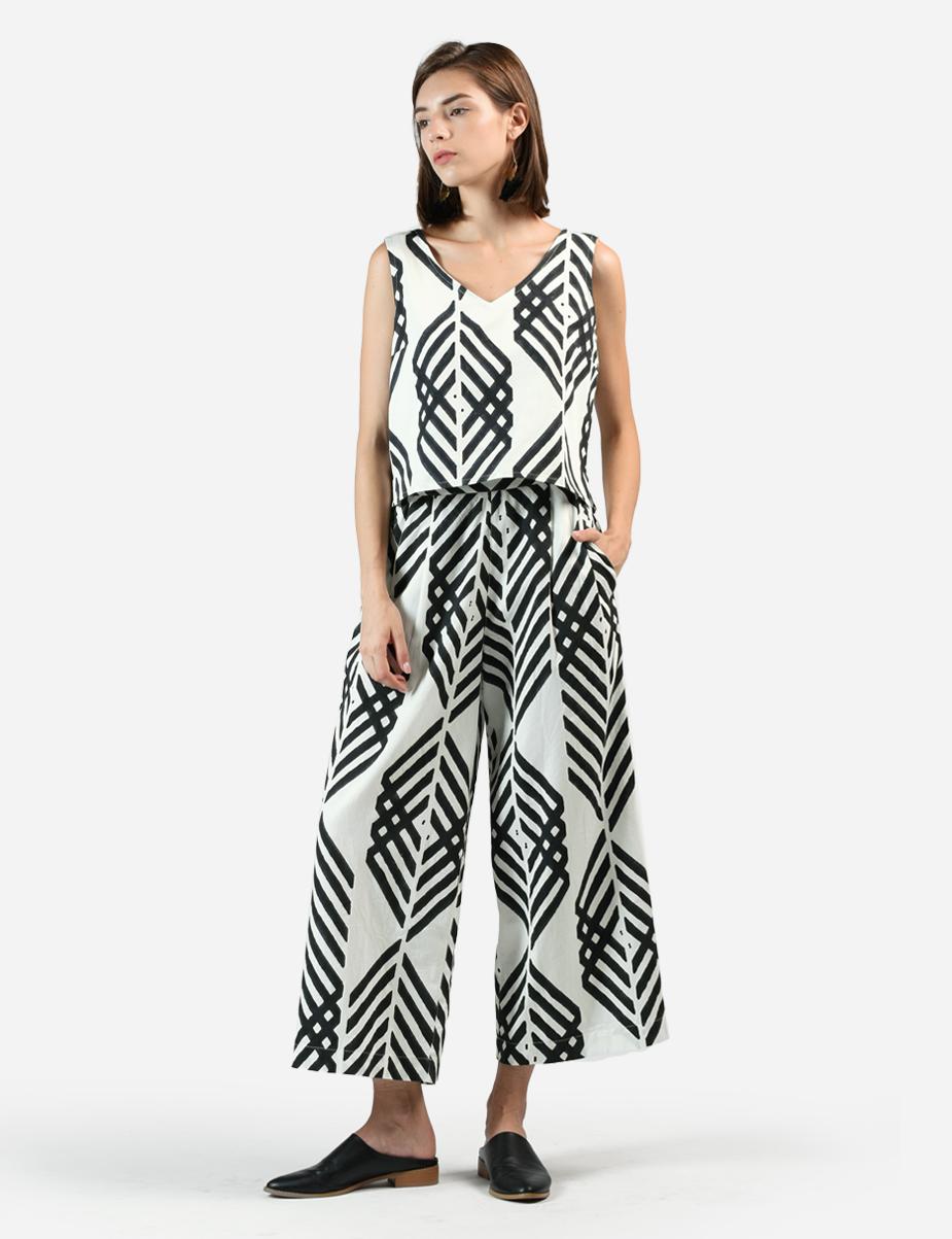 Leharia Charcoal Suit SetTop $79, Bottom $129 - MATTER Prints