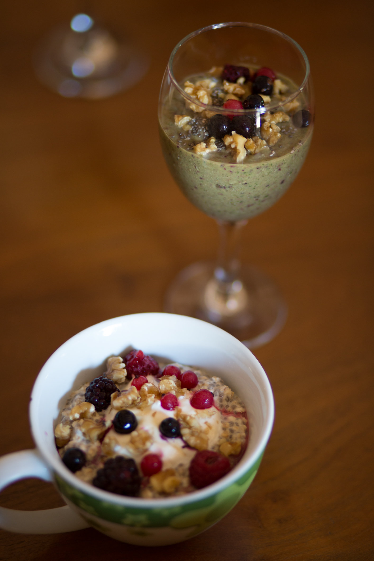 Breakfast smoothie and overnight oats