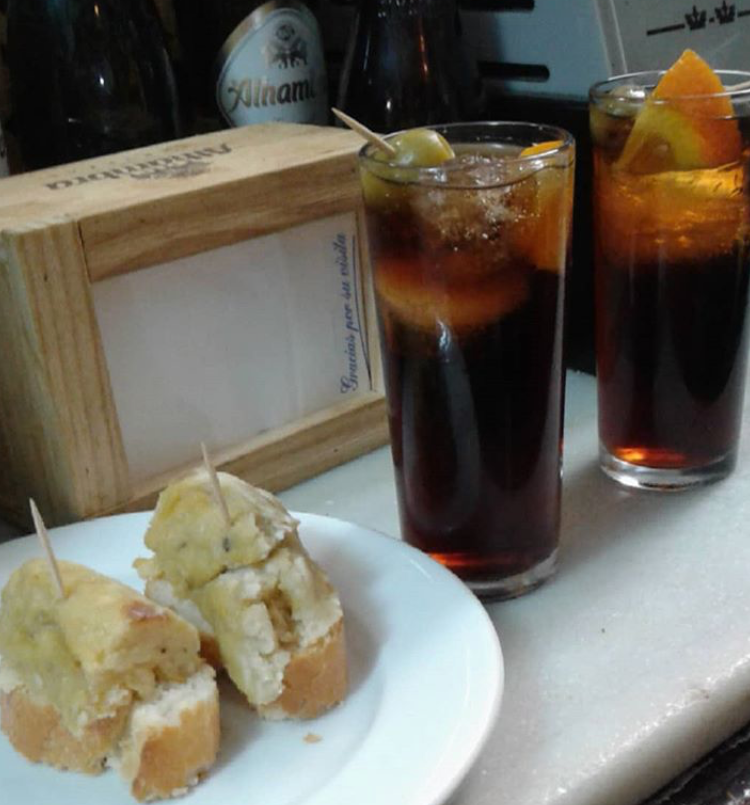 Vermut and montaditos in Valencia Spain.JPG