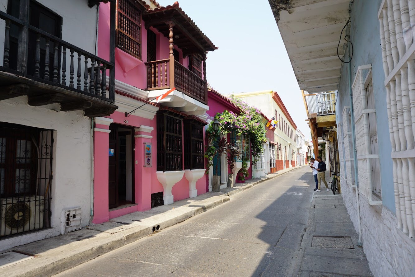 Cartagena Colombia street.JPG