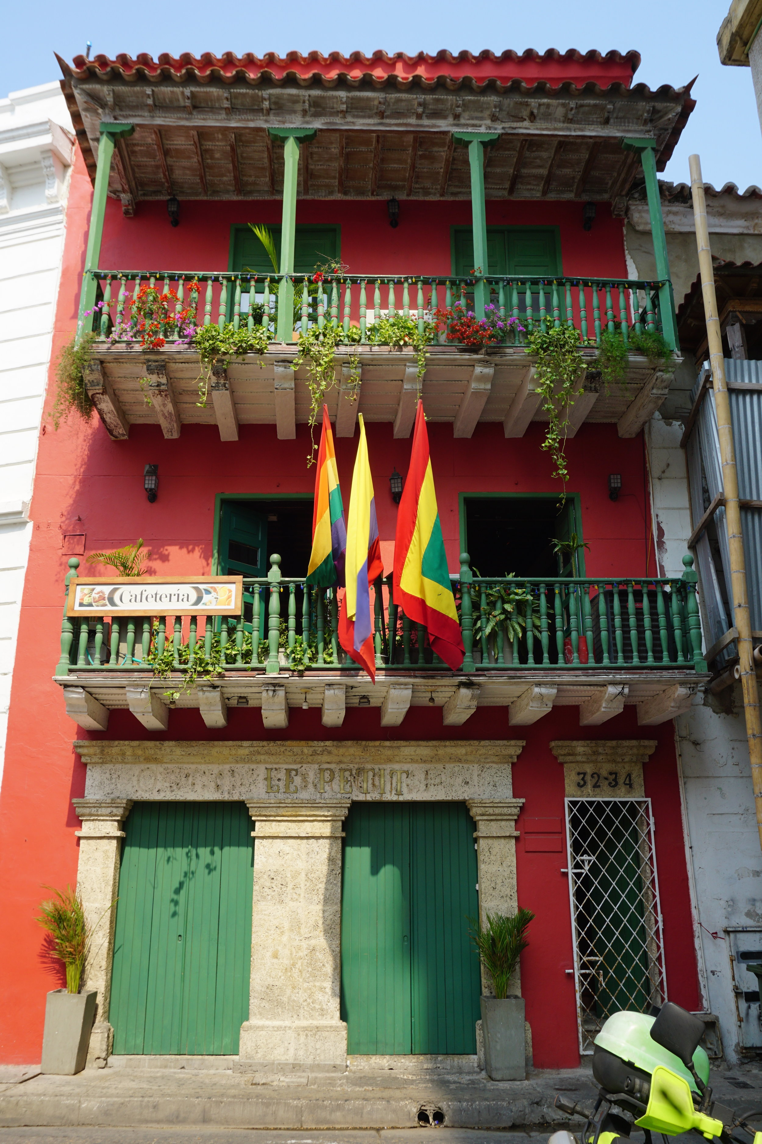 Cartagena Colombia colorful house.JPG