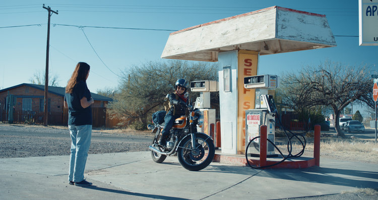 La+motochorra+03+gas+station.jpg