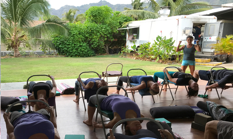 """Indoor/Outdoor studio looks out at the beautiful """"Garden of Eatin'"""" and the Ko'olau mountains."""