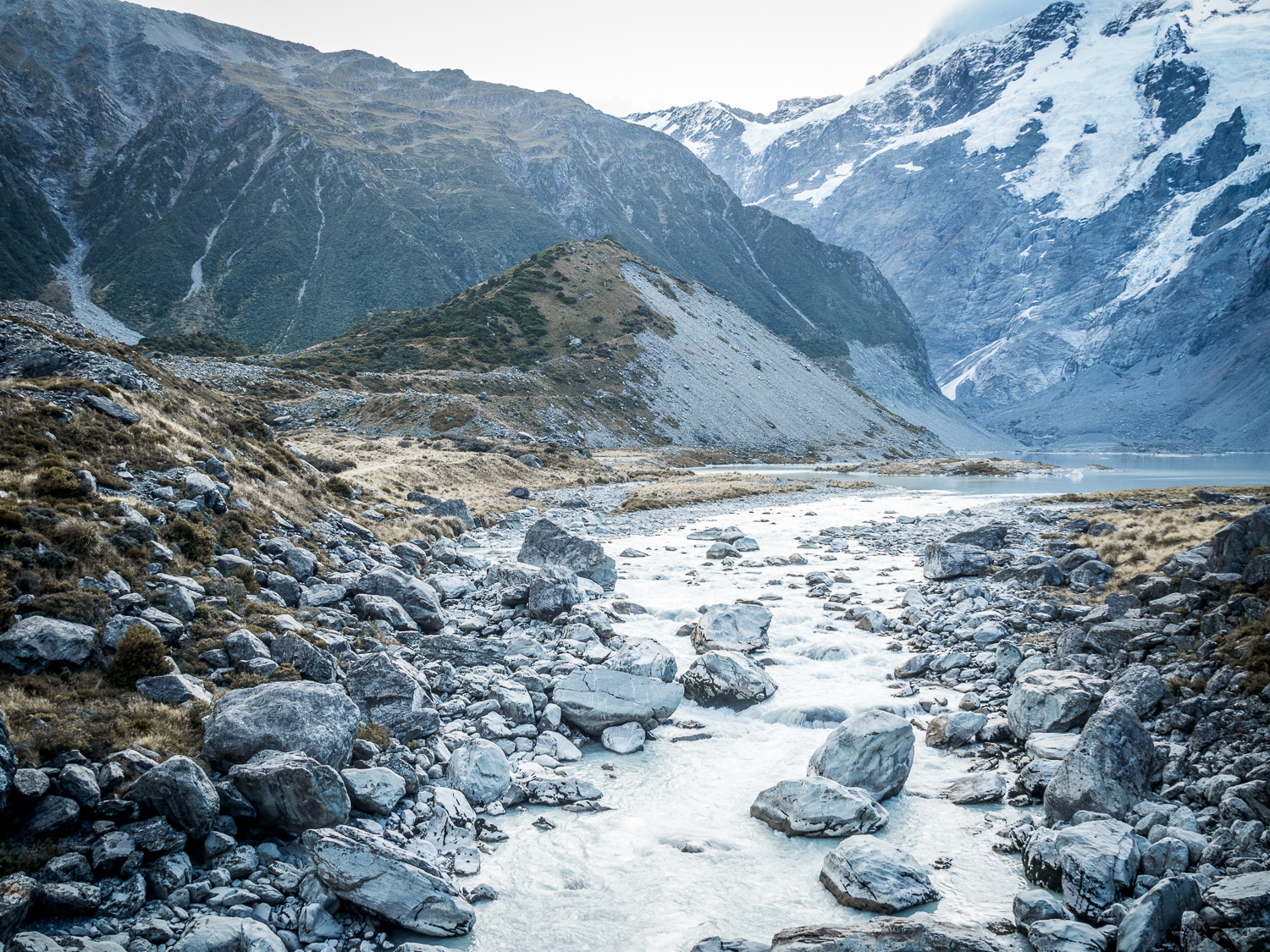 Alexandra-Marie-Interiors-Travel-Photography-New-Zealand-Mount-Cook-Walking-Track-11.jpg