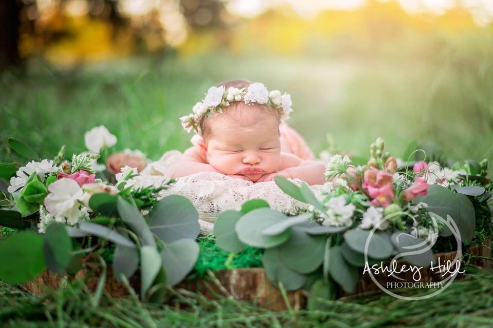 Newboard moss base & floral- Ashley  Hill Photography.jpg