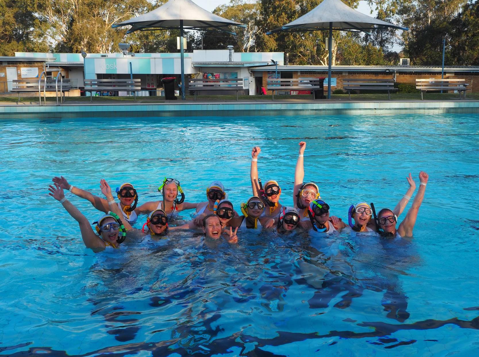 Victoria-Tasmania Ronin: Gold, Ladies' Division   Photo: Celine Steinfeld