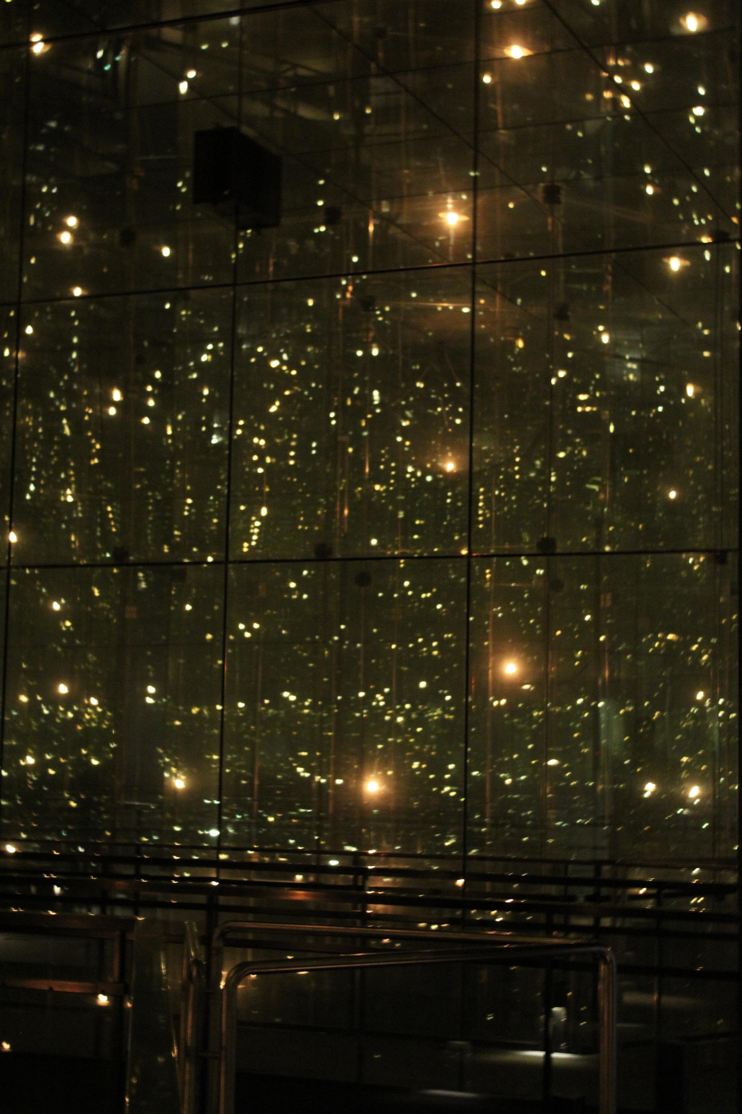 Childrens monument, med lång slutartid för att alls fånga ljus på bild