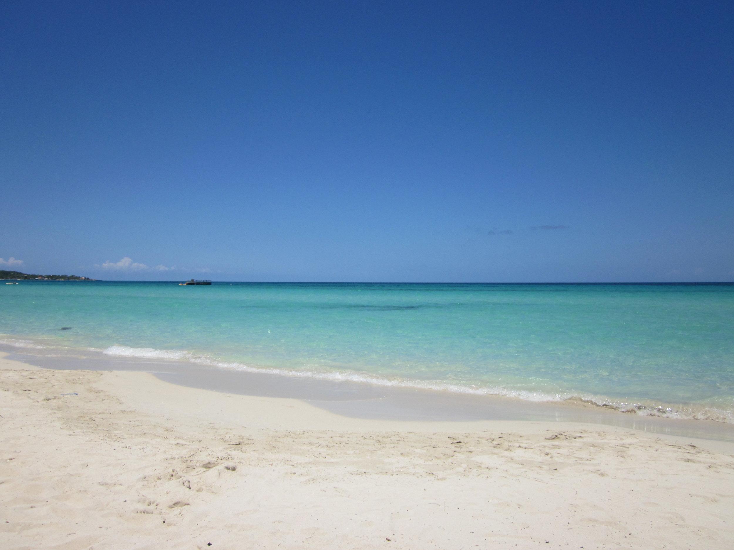 Det ska inte bli några problem att hitta sådant här vatten i Krabi! Här - Negril Beach, Jamaica