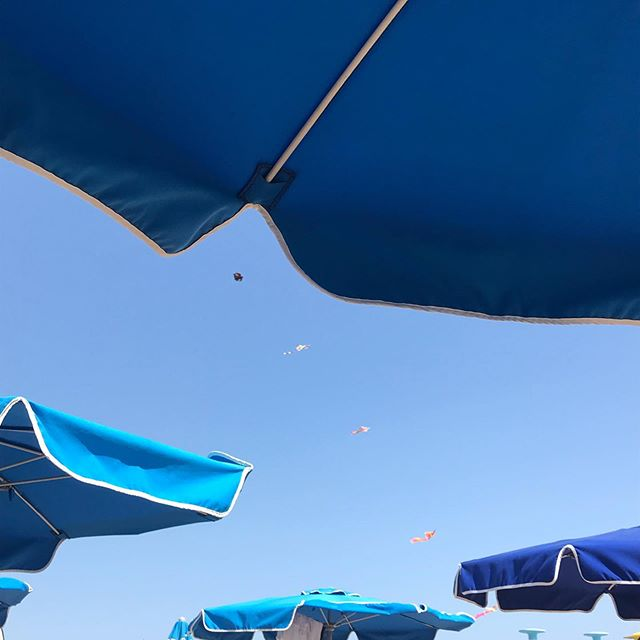 Les Parasols de Sitges. Triptych. ⛱🏖⛱☀️☀️💦💦