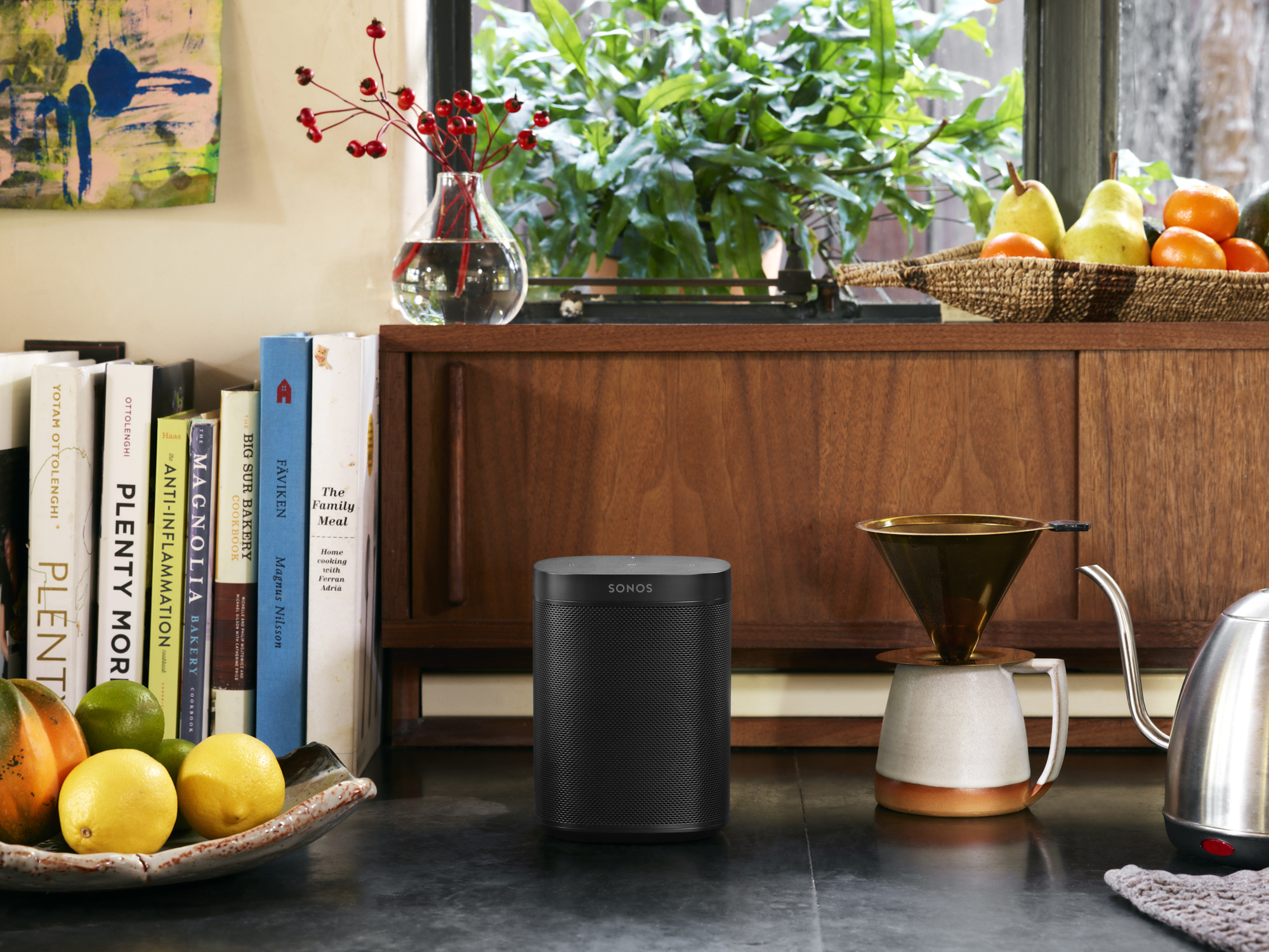 Sonos_Lifestyle_RGB_Small_Kitchen_One_Black.jpg