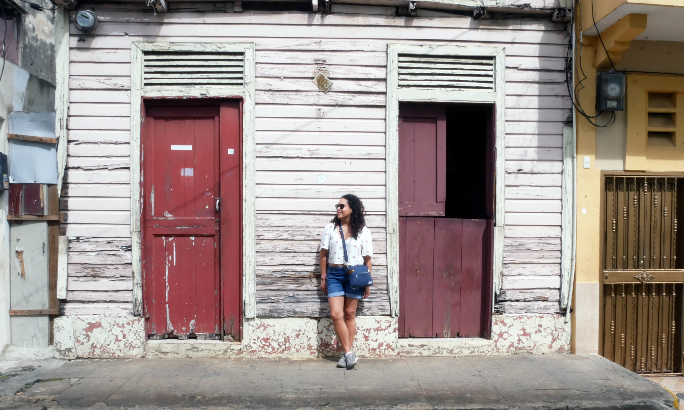 Posing with Santo Domingo's colourful streets